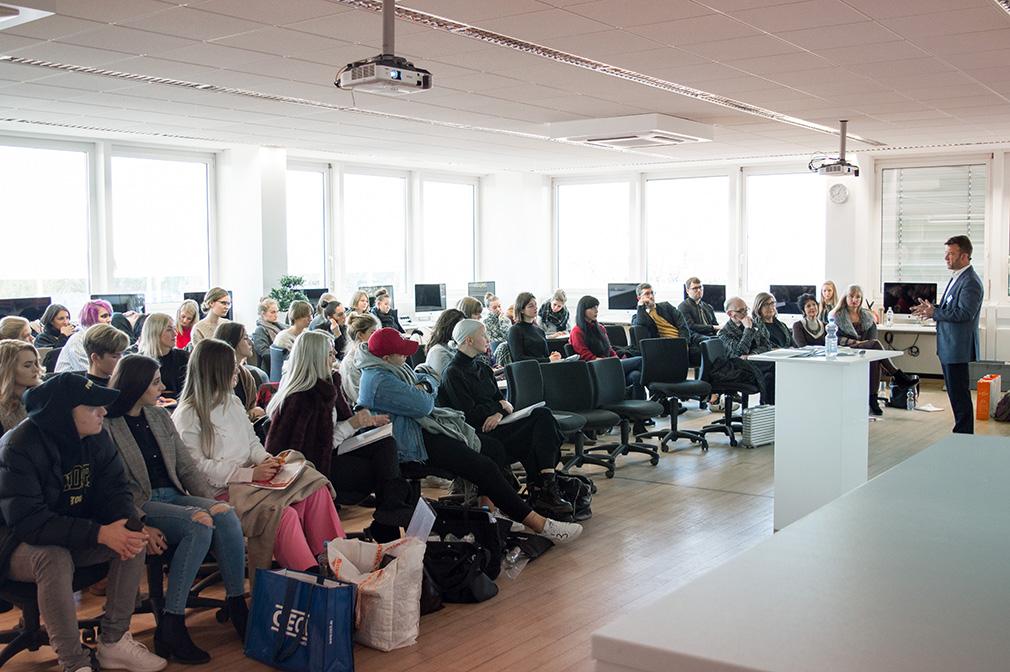 Modeschule modedesignschule manuel fritz in mannheim for Grafikdesign mannheim praktikum